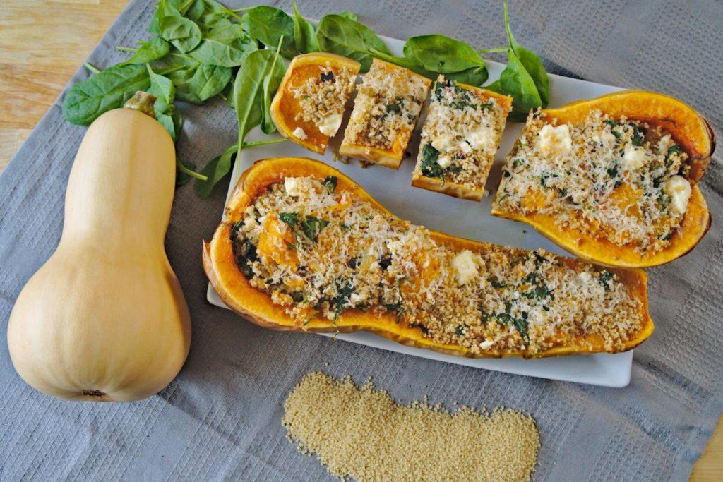 Butternut gefüllt mit Couscous und Spinat/Mangold