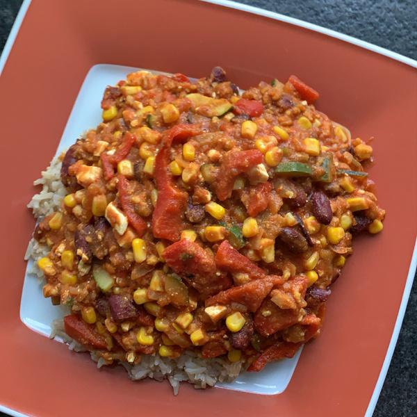 Reis mit Gemüse-Tomatensoße