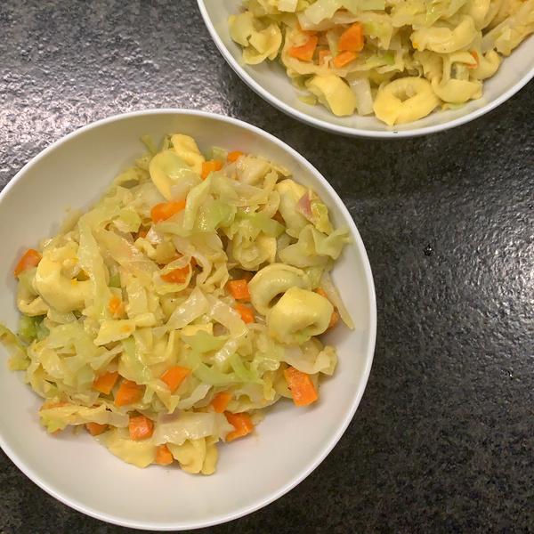 Tortellini-Spitzkohl-Pfanne