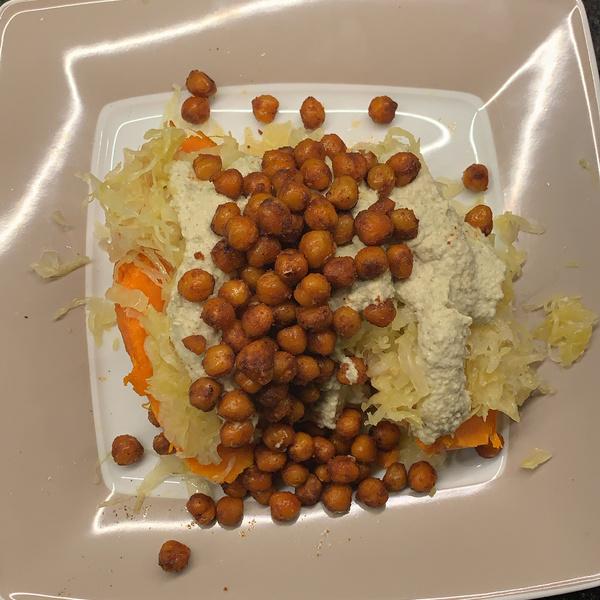 Süßkartoffel mit Sauerkraut